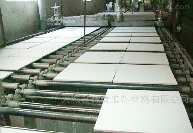 岩棉玻纤吸声天花板能起到理想防潮效果